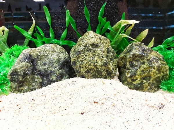 Green African Steine, grüner Stein und blauer Sodalith sowie Drachenstein und vieles mehr bei Wiebies Aquawelt, das perfekte Hardscape für Aquascaper
